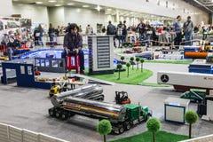 Exposition des modèles commandés par radio, bateaux, locomotives, voitures, Image libre de droits