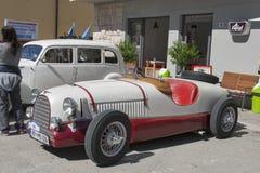 Exposition des voitures de vintage dans Novigrad, Croatie Images stock