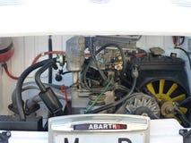 Exposition des voitures de vintage, le 24 février 2018 à Talavera de la Reina, Espagne, détail d'un vieux moteur photos libres de droits