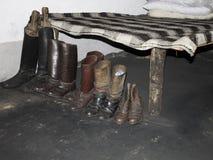 Exposition du musée ukrainien de chaussure de famille au 19ème siècle l'Ukraine occidentale Images stock