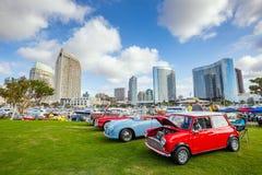 Exposition extérieure de rétros voitures chez Embarcadero Marina Park Nor Photo libre de droits