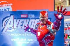 Exposition grandeur nature de mod?le d'Iron Man de superh?ros dans la cabine d'exposition de fin de partie de vengeurs image libre de droits