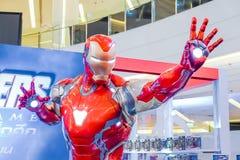 Exposition grandeur nature de mod?le d'Iron Man de superh?ros dans la cabine d'exposition de fin de partie de vengeurs photographie stock libre de droits
