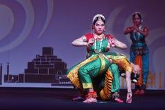 Exposition indienne de danse folklorique la nuit Photo libre de droits