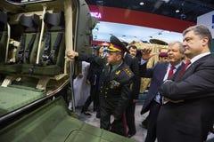 Exposition internationale de la défense en Abu Dhabi Images stock