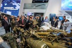 Exposition internationale de la défense en Abu Dhabi Photos stock