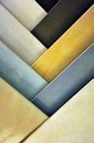 Expositor von Steingutfliesen für den Fußboden, Proben im Speicher Lizenzfreie Stockfotografie