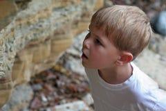Expresión del muchacho del asombro Foto de archivo libre de regalías