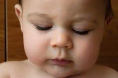 Expresion van het portretgezicht van leuke zes van de babymaanden oud jongen stock fotografie