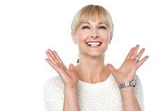 Expresiones de una mujer feliz y contenta Fotografía de archivo libre de regalías