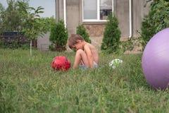 Expressão das crianças Emoções negativas Infância Experiência má imagens de stock royalty free