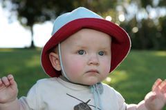 Expressões do bebê - pensativas fotografia de stock