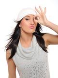 Expressões. Menina bonita do inverno em um chapéu fotos de stock