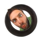 Expression de wow dans le pneu de voiture photographie stock