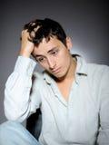 Expressions.man Gefühl traurig und deprimiert Lizenzfreies Stockbild