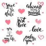 Expressions tirées par la main de lettrage au sujet de l'ensemble d'amour, d'isolement sur le fond blanc avec des coeurs Inscript Image stock