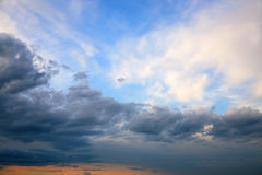 Expressive contrast of the clouds in the sky Royalty Free Stock Photos