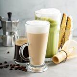 Expresso, café régulier et latte de matcha photos libres de droits