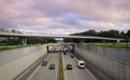 Expresweg机动车路布鲁日比利时 免版税库存照片