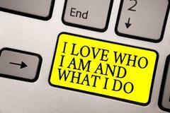 Exprimez l'amour des textes I d'écriture qui je suis et ce que je fais Concept d'affaires pour la haute auto-tige étant confortab images libres de droits