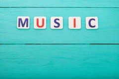 Exprimez la musique avec l'espace de copie sur le fond en bois bleu Vue supérieure Voir les mes autres travaux dans le portfolio  Photographie stock