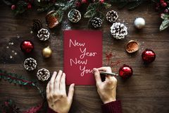 Exprimez la nouvelle année nouvelle vous sur un papier rouge photos stock