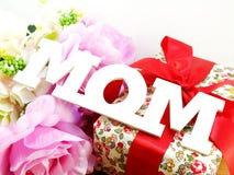 Exprimez le concept de jour de mères de bouquet de maman et de fleur Image stock
