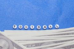 exprimez le ` du football de ` avec les jetons de poker et l'argent photo libre de droits