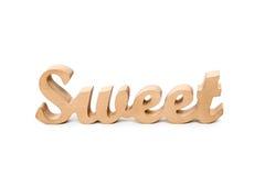 Exprimez les lettres douces et en bois sur le fond blanc Lovestory ou décor de mariage Image libre de droits