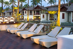 Extérieur d'architecture de la station de vacances et de station thermale de SENTIDO Graceland Khao Lak Images stock