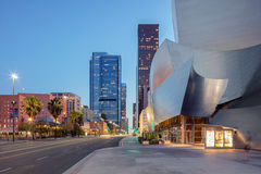 Extérieur de crépuscule de Walt Disney Concert Hall Los Angeles Califo photographie stock