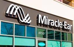 Extérieur de magasin de détail de Miracle-oreille Photographie stock libre de droits