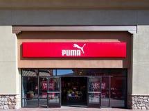 Extérieur de magasin de puma Photos libres de droits