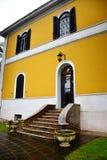 Extérieur de maison de style romain, Rome Italie Images stock