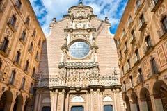 Extérieur de monastère de Montserrat Benedictine photographie stock libre de droits