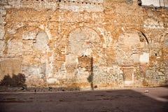 Extérieur de vieil immeuble de brique, Barcelone, Espagne photographie stock