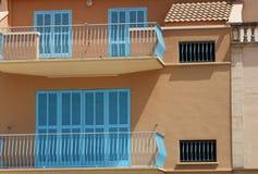 Extérieur des maisons espagnoles Image stock