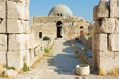 Extérieur du vieux palais d'Umayyad à la colline romaine de citadelle à Amman, Jordanie Photographie stock