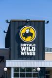 Extérieur et logo sauvages de restaurant d'ailes de Buffalo Image libre de droits