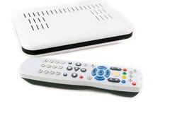 Extérieur et récepteur pour l'Internet TV sur la vue de face blanche photo stock