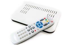 Extérieur et récepteur pour l'Internet TV sur la vue supérieure blanche photo stock