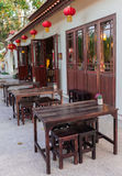 extérieur extérieur de chaise en bois de restaurant Photographie stock