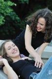 extérieur heureux deux d'ami Photo stock