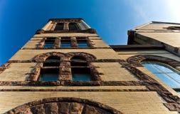 Extérieur historique d'église Photo stock
