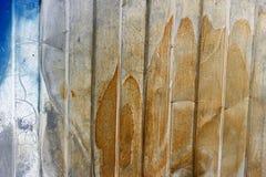 Extérieur peint endommagé par la corrosion image libre de droits