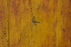 Extérieur peint endommagé par la corrosion images libres de droits