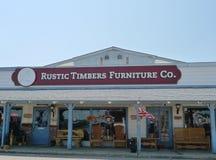 Extérieur rustique de société de meubles de bois de construction Image stock