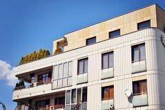 Extérieurs modernes d'immeubles Photos stock