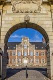 Extasie a porta ao pátio do castelo Ahaus Imagem de Stock