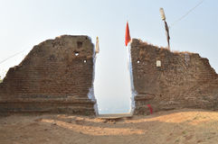 Extasie a porta no monte de Parnera perto de Valsad, Gujarat imagens de stock royalty free